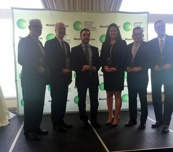 Entrega premio new business Miami socialpubli