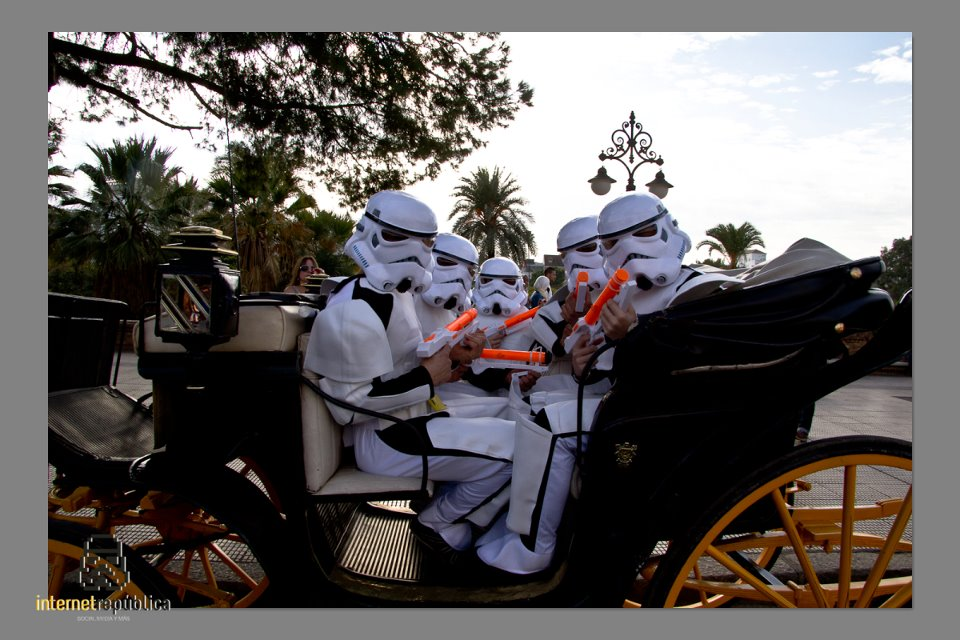 Los troopers de Internet Republica se pasean por Sevilla